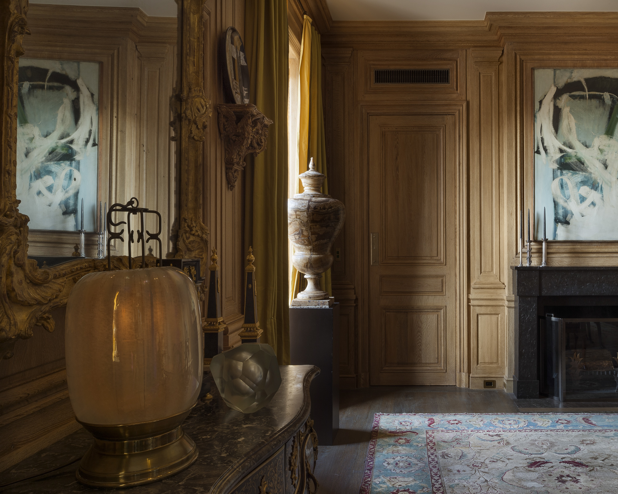 Décor de boiserie de style Louis XIV en bois de chêne avec patine au naturel
