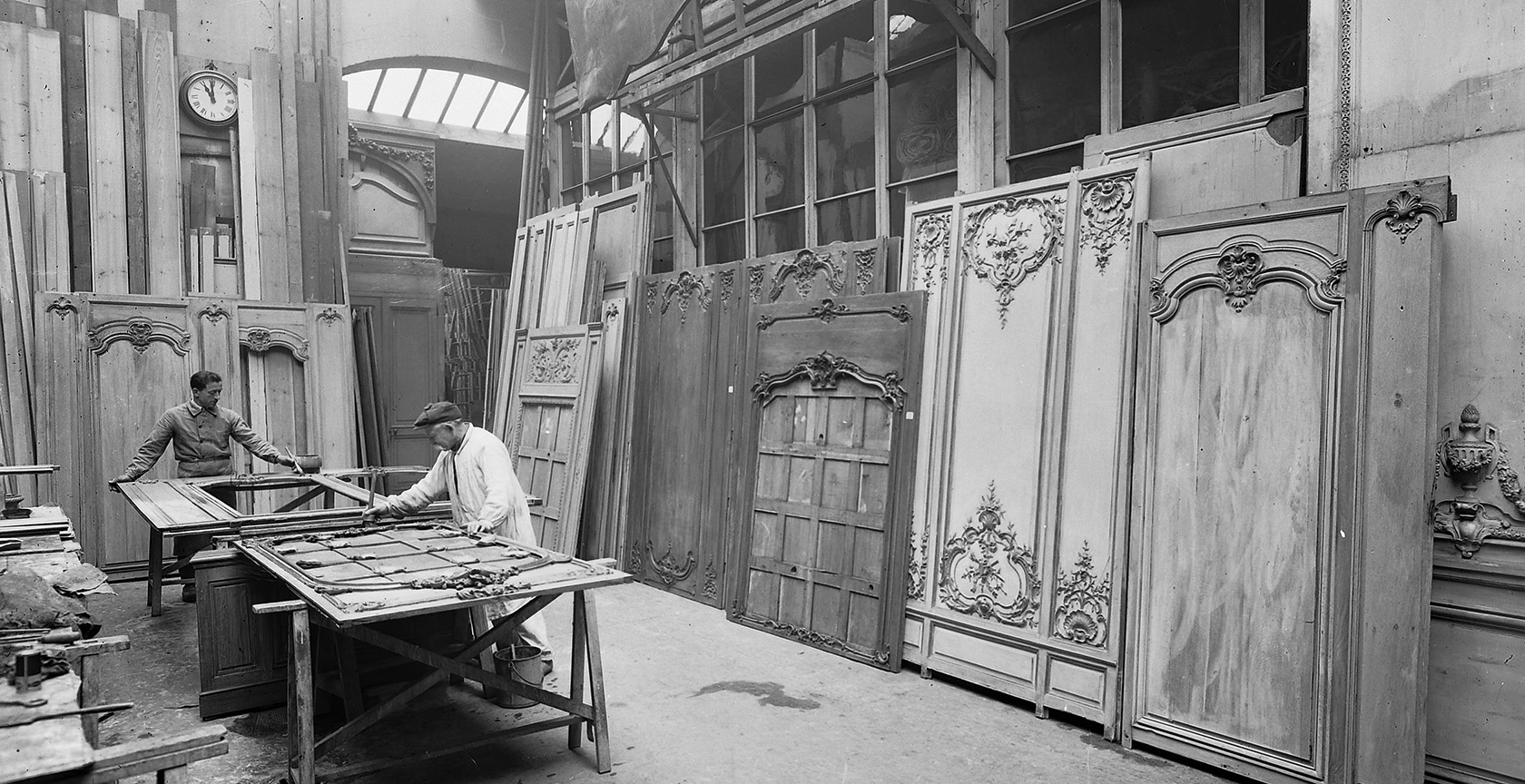 Atelier Feau Boiseries, photo archive, artisanat d'art, boiseries anciennes, rue Laugier, Paris