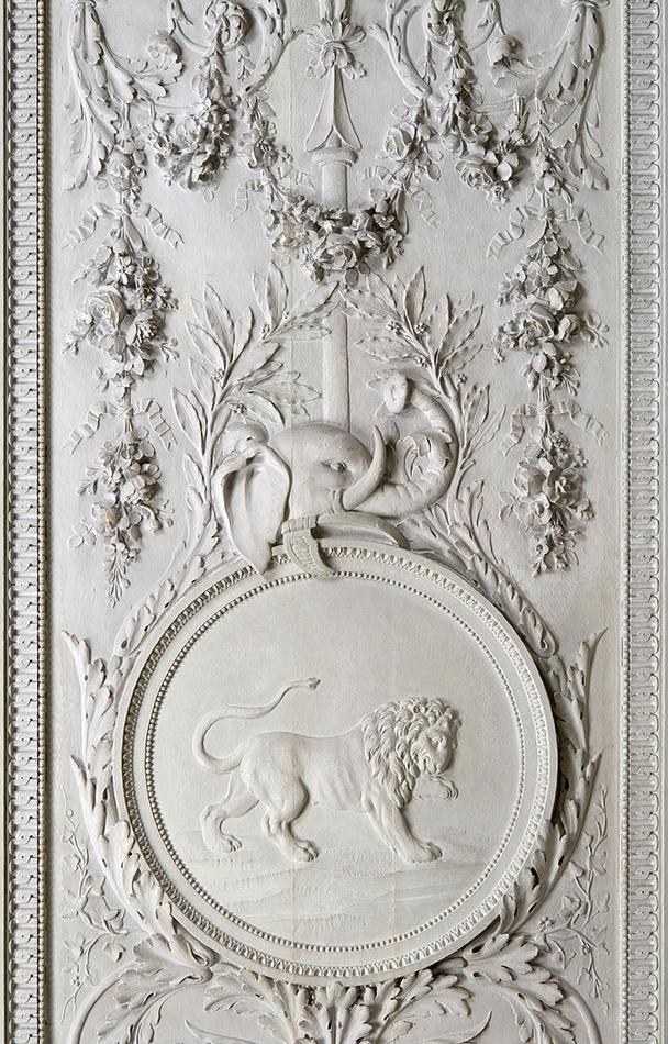 Panneau du lion, décor des 4 continents par Claude Nicolas Ledoux, XVIIIe, collection privée Féau