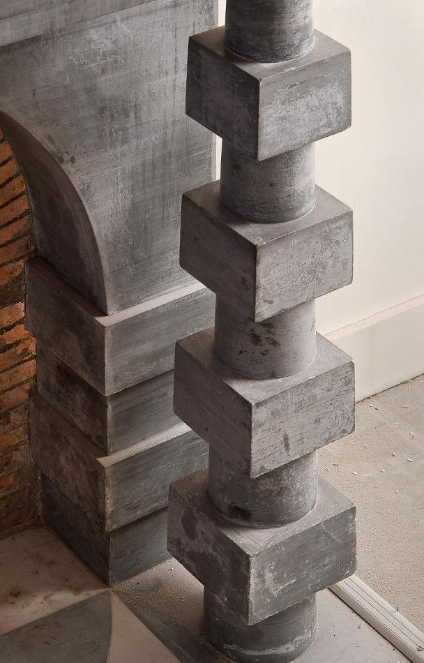 Cheminée marbre Emilio Terry, Colonnes Art Déco, cyclindres et cubes, collection Féau