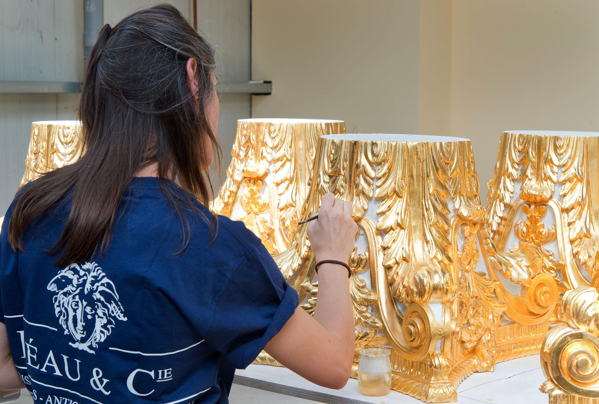 Fine gold gilding bas relief craftsman