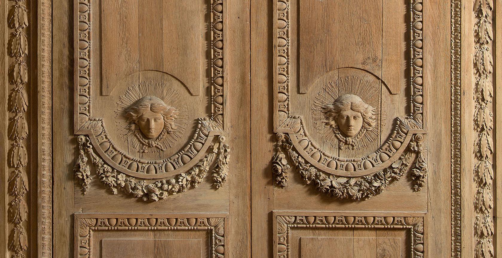Double porte chêne sculpté XVIIe Apollon Rayonnant attribué Claude Nicolas Ledoux