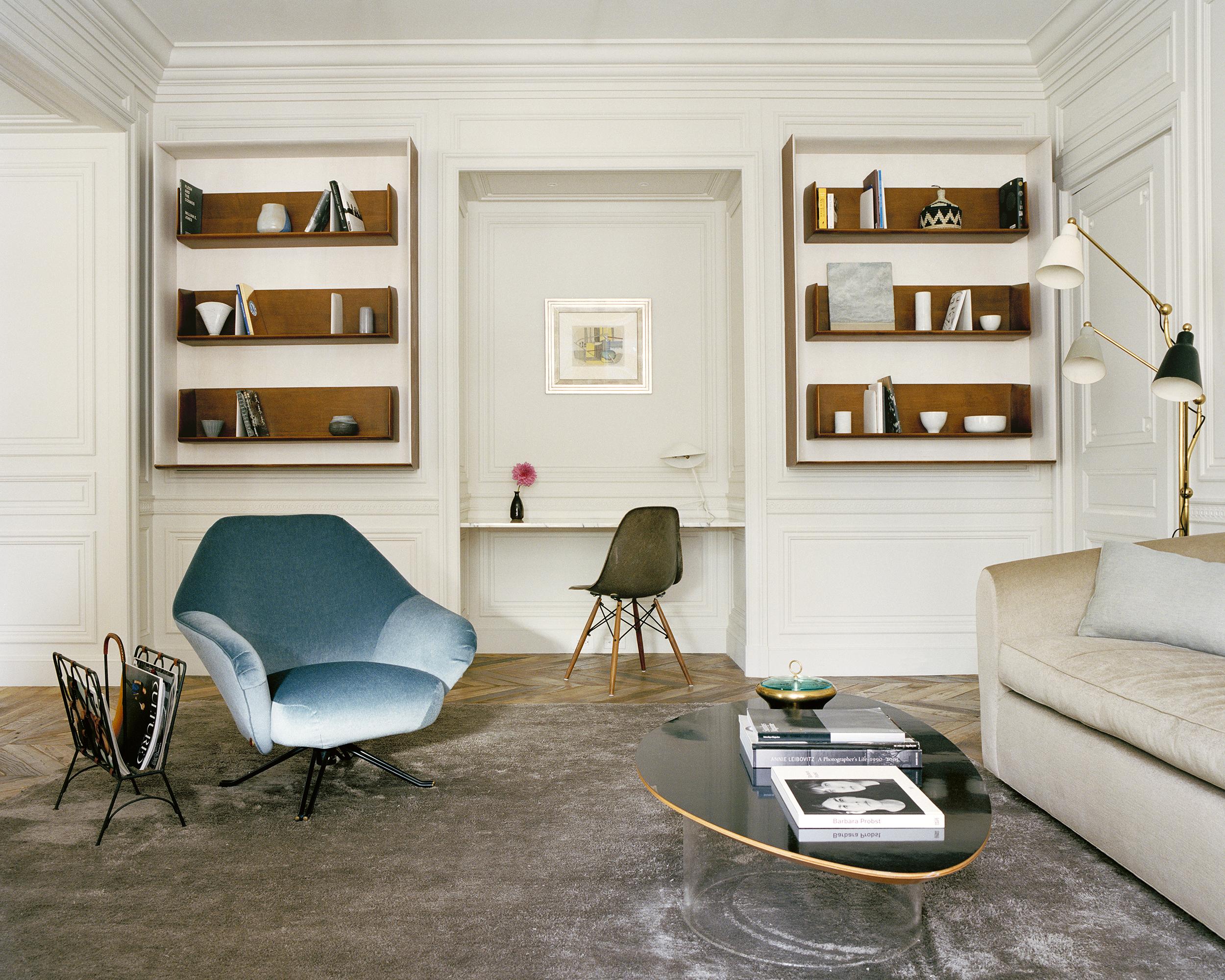 Boiseries Louis XVI, lignes pures, salon privé Hotel Le Pierre, projet décoration Michael Misczynski