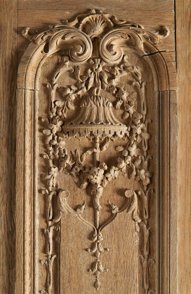 Panneaux de bois massifs Château de Madame de Pompadour, Crécy-Couvé, Collection Féau