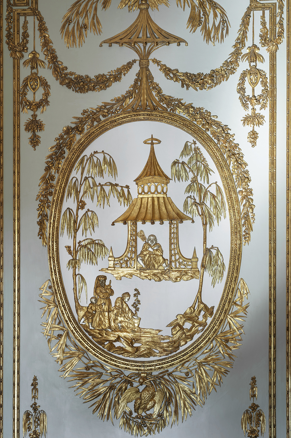 Chinoiserie in a Tuscan music room