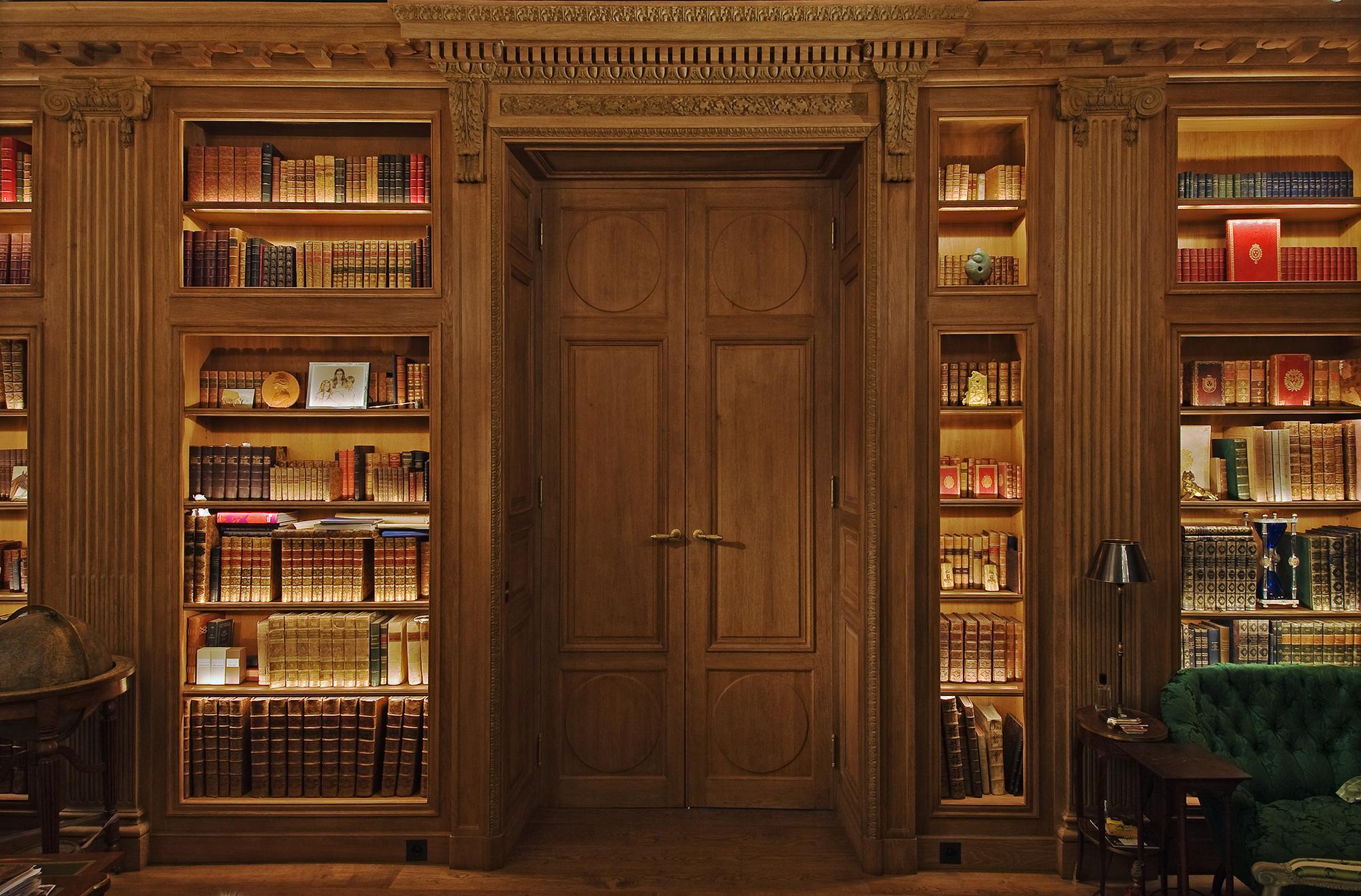 Louis XVI bookcase for a villa in Belgium