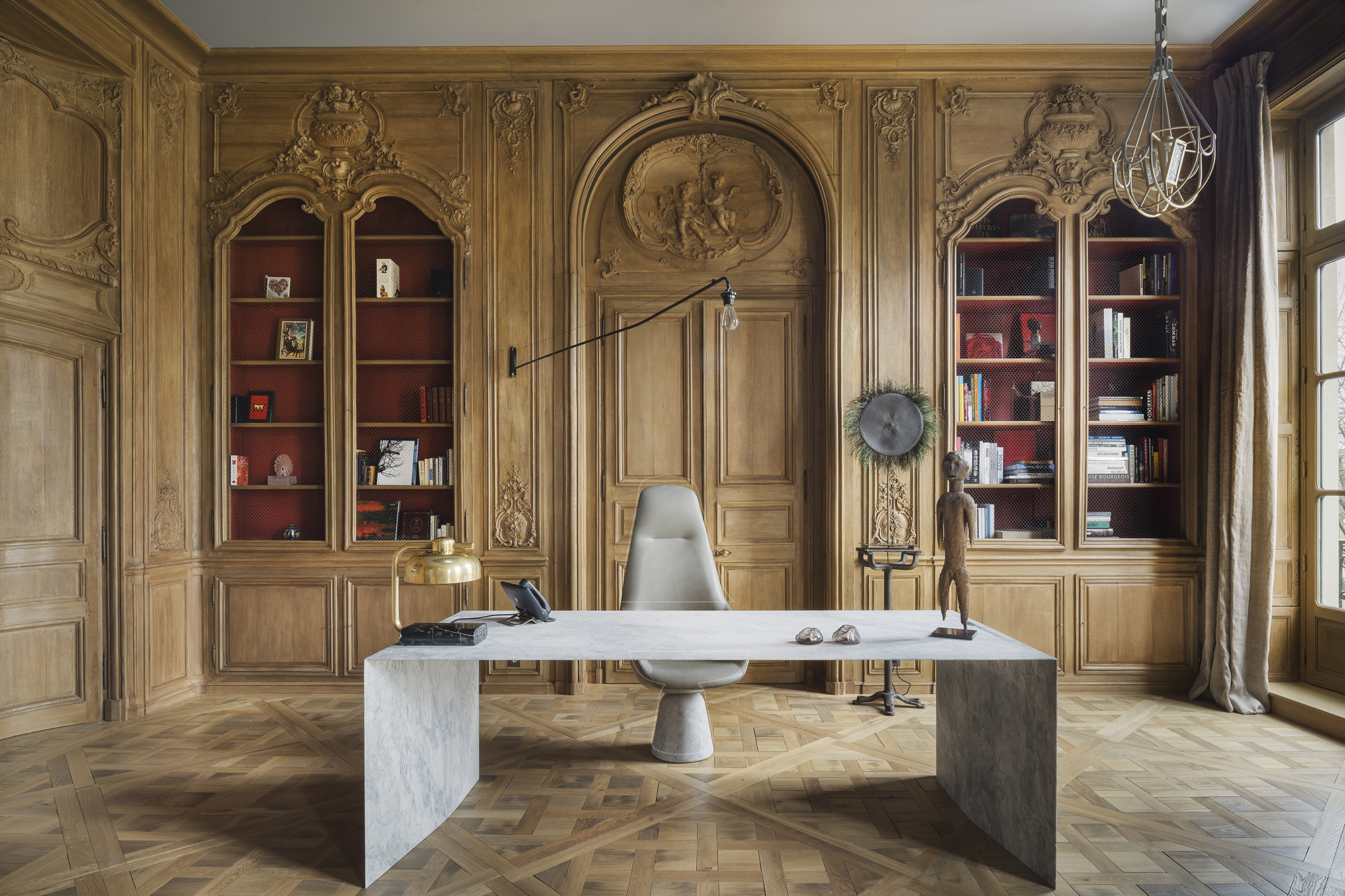 Custom-made Régence style study, natural oak, Yovanovitch project for distinguished Parisian interior
